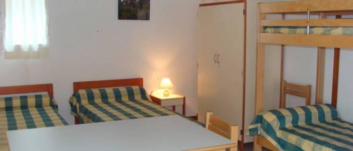 A l'intérieur de nos chalets - 6 couchages dont 4 superposés - centre de séjour Soulac sur mer