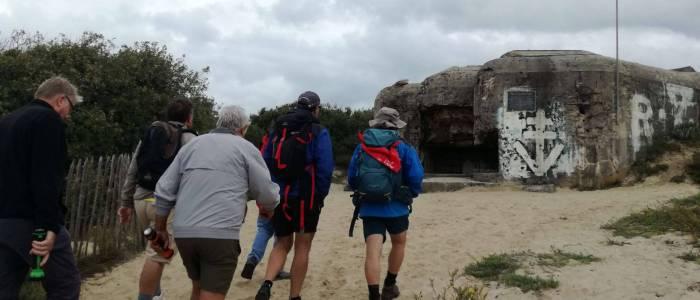 Visite d'un bunker par un groupe du Centre de Séjour de Soulac sur mer